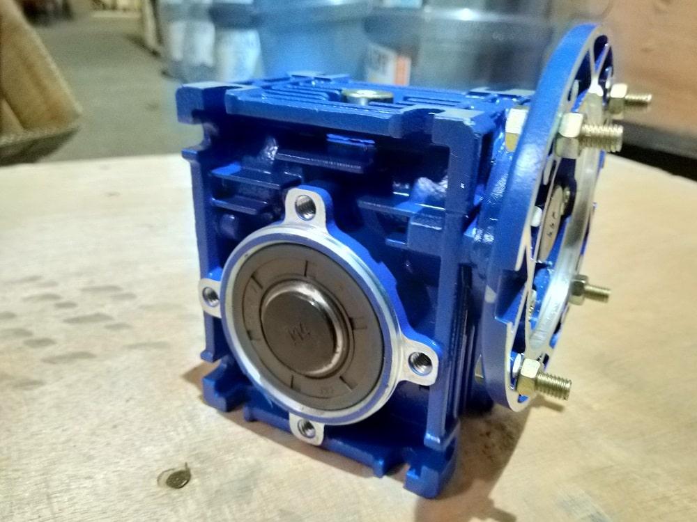 Червячный мотор-редуктор NMRV 040 под брендом KPD-DRIVE