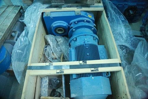 Цилиндрический мотор-редуктор с параллельными валами