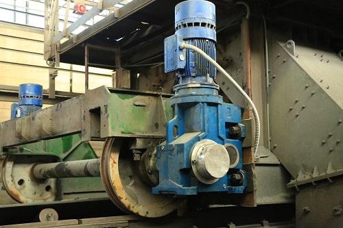 Конически-цилиндрический мотор-редуктор со склада