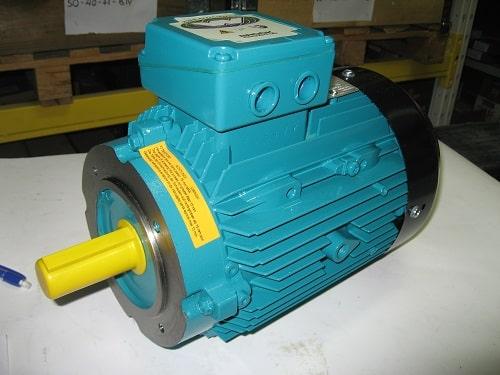 Электродвигатель с фланцевым соединением